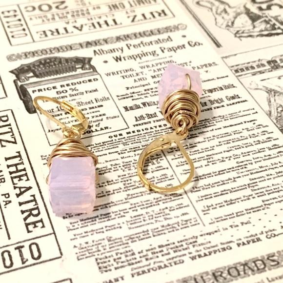 636037393792 NEW Swarovski cube earrings 10% off Bundle 2+
